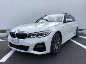 BMW 3シリーズ 318iツーリング Mスポーツ 当社試乗車・パーキングアシスト+・コンフォートパッケージ・純正18インチアルミ・電動リヤゲート・全周囲カメラ・アクティブクルーズコントロール・パワーシート・ミラーETC