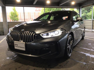 BMW 1シリーズ 118i Mスポーツ 当社試乗車・ナビパッケージ・純正18インチアルミ・運転席パワ-シート・LEDヘッドランプ・LEDフォグランプ・バックカメラ・ミラーETC