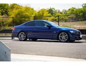 BMW 3シリーズ 320i Mスポーツパッケージ Mスポーツ限定色ルマンブルー