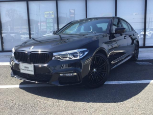 BMW 5シリーズ 523iMスポーツ限定車ブラックアウト 19AW弊社試乗車