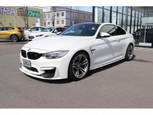 BMW M4 M4クーペ ハーマンカードン 19インチアロイ プライバシーガラス カーボンパンネル 車高調 社外マフラー