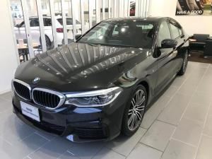 BMW 5シリーズ 523d Mスポーツ ハイラインパッケージ イノベーションパッケージ セレクトパッケージ ランバーサポート 19インチアロイホイール シートヒーター