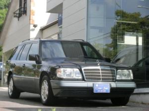 メルセデス・ベンツ Eクラスステーションワゴン E300 ターボDステーションワゴン A/Tオーバーホール済 左ハンドル 本革シート サードシート7人乗り