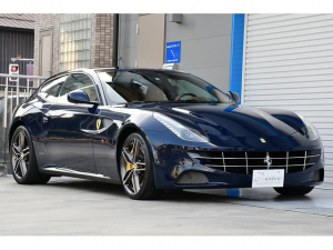 フェラーリ FF ベースグレード 正規D車 当社ユーザー様買取車両 車庫保管 オプションカラーBlu Scozia F&Rリフター LEDカーボンステアリング 20インチダイヤモンド鍛造ホイール