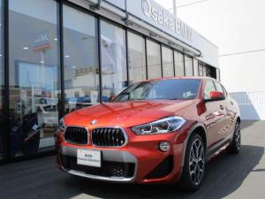 BMW X2 sDrive18iMスポーツXデモカー黒革ACCヘッドアップ