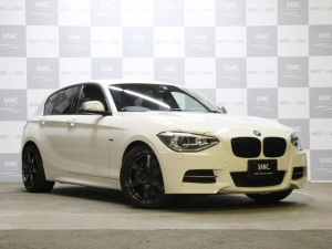 iBMW BMW M135i 禁煙 黒革 純正ナビ レイズ鍛造18AW