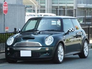 MINI クーパーS・革シート・6MT・レーシンググリーン