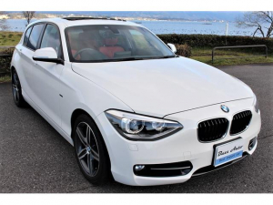 BMW 1シリーズ 120i スポーツ  新品タイヤ/赤革仕様/ガラスサンルーフ