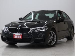 BMW 5シリーズ 523d xDrive Mスピリット BMWアダプティブLED インテリジェントセーフティ ステアリングサポート パーキングアシスト アンビエントライト 全方位カメラ ACC M18intAW