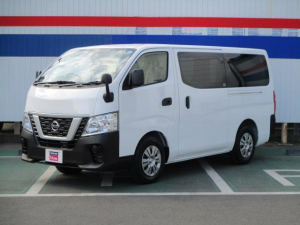 i日産 NV350キャラバンバン 1.2t DX 低床 ロング 試乗車 走行9キロ