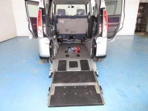 スズキ ワゴンR チェアキャブスロープタイプ 車椅子乗車