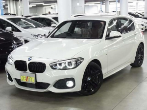 BMW 1シリーズ 118i Mスポーツ エディションシャドー 限定1000台 専用コニャックダコタレザーシート インテリジェントセーフティ アクティブクルーズ iDriveHDDナビ バックカメラ BTオーディオ ソナー アイドリングストップ 専用18インチAW