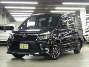 トヨタ ヴォクシー ZS 8人乗り 両側パワースライドドア アルパイン9型SDナビ 地デジTV BluetoothAudio バックカメラ ビルトインETC スマートキー LEDヘッドライト フォグ 純正16アルミ 専用エアロ