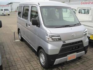 ダイハツ ハイゼットカーゴ デラックスSAIII/4WD/4AT/LEDヘッドライト