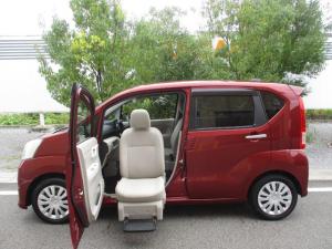 ダイハツ ムーヴ フロントシートリフト L フルセグナビ 福祉車両 ワイヤレスリモコン付き 助手席シートリフト キーレスエントリー フルセグナビ Bluetooth対応 DVD再生 ワンオーナーカー 横滑り防止装置 アイドリングストップ チルトステアリング