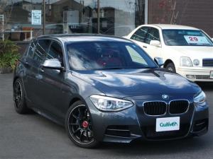 BMW 1シリーズ M135i 純正ナビ Bluetooth バックカメラ 赤革シート シートヒーター 社外18インチAW コンフォートアクセス