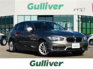 BMW 1シリーズ 118i スタイル 純正フロアマット/バックカメラ/横滑り防止/革ステ/ETC/バニティミラー/ライトレベライザー/電動格納ミラー/ウィンカーミラー/フォグ/スマートキー/スペアキー×1
