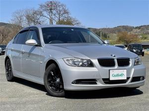 BMW 3シリーズ 320i Mスポーツパッケージ 3シリーズ Mスポーツ スマートキー プッシュスタート 純正オーディオ MTモード付きAT 前席パワーシート 革巻きハンドル 純正AW付きサマータイヤ積込