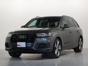 アウディ Q7 アーバンブラック 4WD 認定中古車 50台限定 21AW