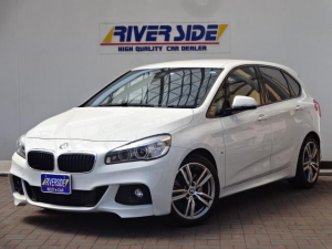 BMW 225i xDrive Active T M Sport右