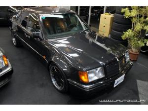 メルセデス・ベンツ ミディアムクラス 500E ディーラー車 左ハンドル 整備記録簿 黒革内装