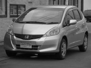 ホンダ フィット 13G 4WD 4WD 車検整備付 走行距離2万キロ インテリキー CD 修復歴無 ETC