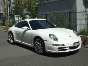 ポルシェ 911 911カレラS 黒革シートヒーター ナビ TV ETC スポーツクロノPKG キセノンヘッドライト 19インチアルミ レッドキャリパー PSM
