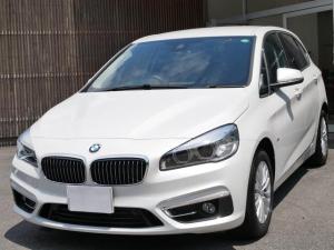 BMW 2シリーズ 218dアクティブツアラー ラグジュアリー ワンオーナー 正規ディーラー車 禁煙 タッチパネルカラースクリーン バックカメラ リアソナー 電動開閉トランク スマートキー 黒革パワーシート シートヒーター 緊急ブレーキ レーン逸脱警告 17AW