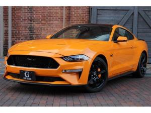 フォード マスタング V8 GT プレミアム ブラックアクセントパッケージ ブラックレザー AppleCarPlay&AndroidAuto デジタルメーター イエローキャリパーペイント