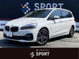 BMW 2シリーズ 218dグランツアラー スポーツ 218dグランツアラー スポーツ アクティブクルーズ インテリセ―フ 純正HDDナビ Bカメラ シートヒーター 3列シート ハーフレザー LED ETC 純正AW