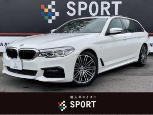 BMW 5シリーズ 523iツーリング Mスポーツ サンルーフ アクティブクルーズコントロール インテリジェントセーフティ 黒革シート 全席シートヒーター シートメモリー 純正ナビ フルセグ 全方位カメラ パワーバックドア LED ETC 純正AW