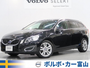 iボルボ ボルボ V60 T6 AWD 2013y セーフティPKG 黒革 リアビュー