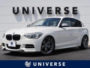 BMW 1シリーズ M135i パーキングPKG 黒革シート 純正HDDナビ バックカメラ ミラーETC HIDヘッド&フォグランプ コンフォートアクセス&プッシュスタート ヒーター付パワーシート 専用18インチAW
