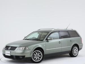 フォルクスワーゲン パサートワゴン W8 4モーション ユーザー様買取車両/稀少ボディーカラー/左右W出しマフラー/ルーフレール/本革シート/純正DVDナビ/ETC/木目ハンドル