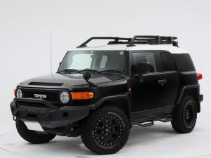 トヨタ FJクルーザー ベースグレード 4WD/観音開きドア/SOLIDRACING製17インチアルミ/グッドリッチタイヤ/純正ナビ/フルセグ地デジTV/バックカメラ