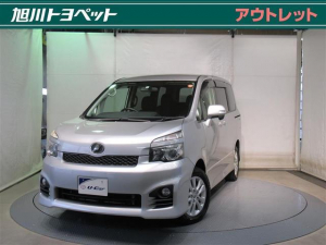 トヨタ ヴォクシー ZS 4WD フルセグ HDDナビ DVD再生 バックカメラ 電動スライドドア HIDヘッドライト ウオークスルー 乗車定員7人 3列シート